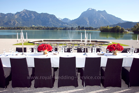 Royal-Wedding-Service-2012-Festspielhaus